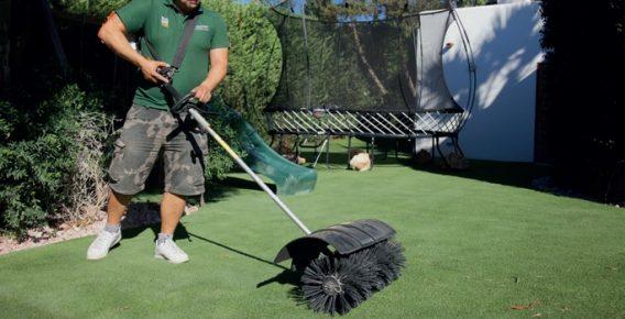 easigrass-artificial-grass-maintenance-service